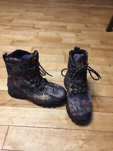 SHE Big timber hunting boots, brand new, size 7