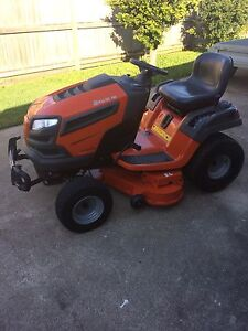 HUSKY RIDE ON MOWER Cleveland Redland Area Preview