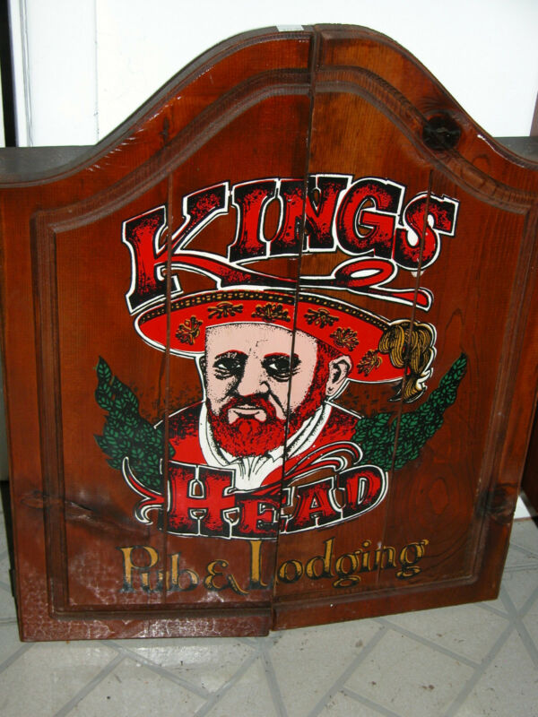 GREAT VINTAGE KINGS HEAD PUB & LODGING-HENRY VIII-DART BOARD GAME WITH 9 DARTS