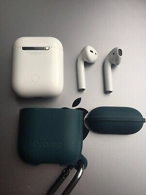 Apple Airpods & Case [1st Generation]