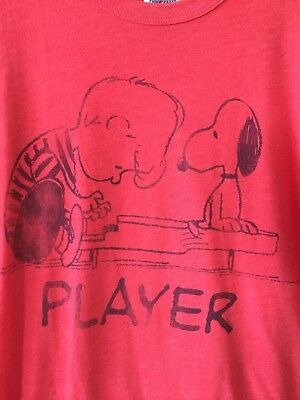 - Peanuts Schroeder Player Tee Shirt Snoopy Piano Music Red Junk Food Men's Large