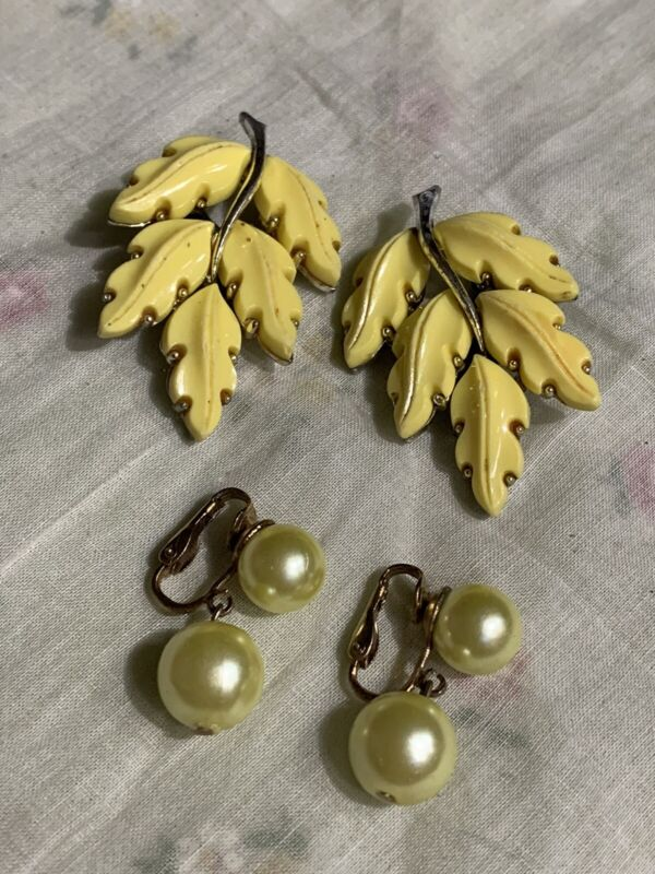 Yellow Leaves & Pearl Clip on Earrings 2 Pair Crafting Jewelry TT-40