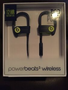 Power beats 3 headphones brand new