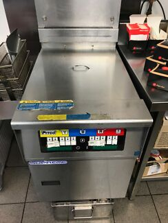 Pitco Deep Gas fryer with 3 basket