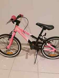 Avanti girls 20 Inch bike Kewarra Beach Cairns City Preview