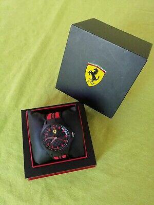 Scuderia Ferrari Pit Crew 0830172 Watch