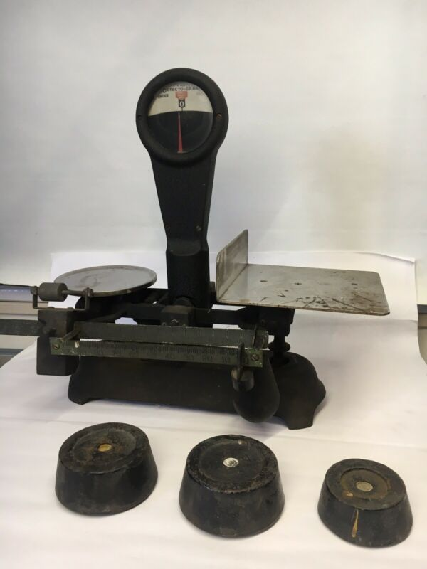 VINTAGE DETECTO GRAM SCALE WITH 3 WEIGHTS