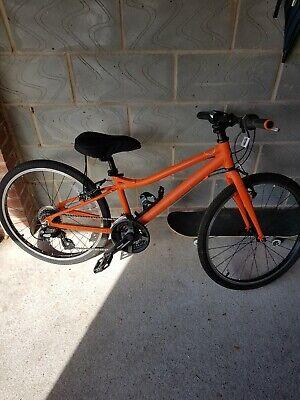 "Carrera Abyss Junior Bike 24"" wheel. Age Range 8-11 Yrs"