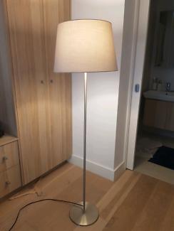 Freestanding Lamp (light grey lampshade)