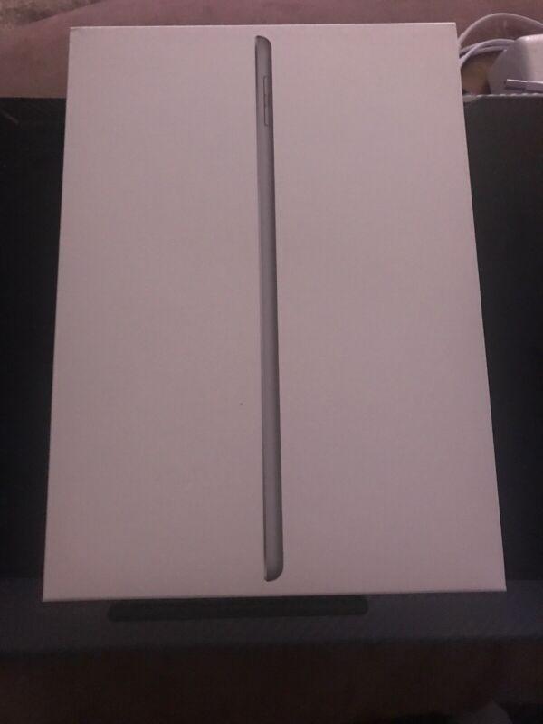 Ipad (6th Generation) 32gb Wi-Fi Space Gray (Empty Box) Box Only
