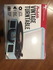 LIKE NEW RECORD PLAYER!!!!! $80