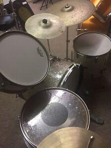 Vintage 4 piece Raven Drum Kit circa 1960's