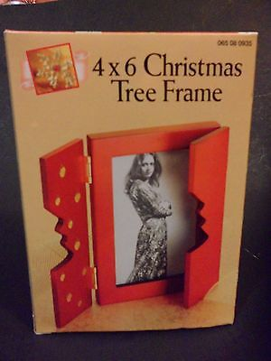 Christmas Tree Photo Frames for 4 x 6 pictures set of 4, 2Green and 2Mahogany ](Christmas Photo Frames)