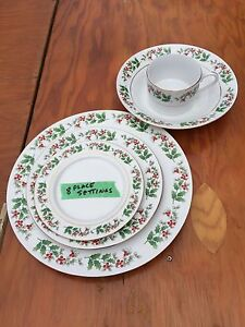 Christmas Dishes-8 place settings