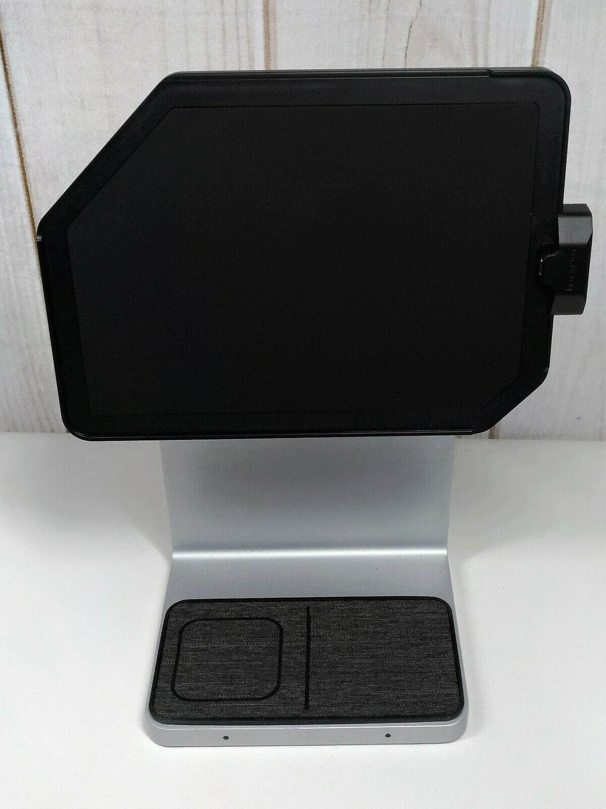 Kensington IPad Docking Station For 11 IPad Pro And IPad Air K34031WW  - $400.00