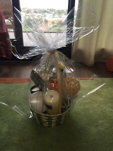 Pre packed gift packages