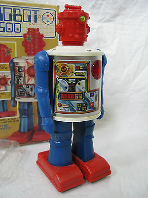 ROBOT 2500 Vintage Battery Powered Toy 1979 with Original BOX