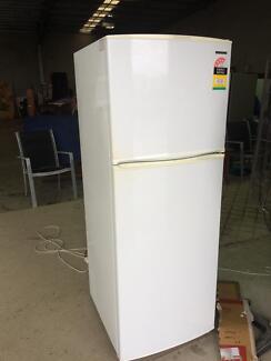 Samsung 331 lt fridge