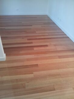 Floor sanding,renovation old floor,polishing