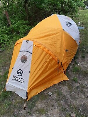 The North Face Mountain 25 Summit Series Tent