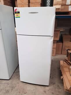 369L FISHER & PAYKEL FRIDGE FREEZER kitchen drinks refrigerator