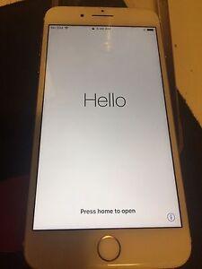 32gb Rose gold iPhone 7 plus.