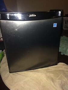 Cubical energy star mini fridge $60