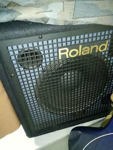 Roland KC-350 120 watt stereo mixer keyboard amplifier Reservoir Darebin Area Preview