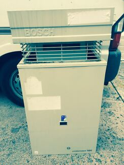 Bosch 16H external instant hit water heater St Kilda Port Phillip Preview