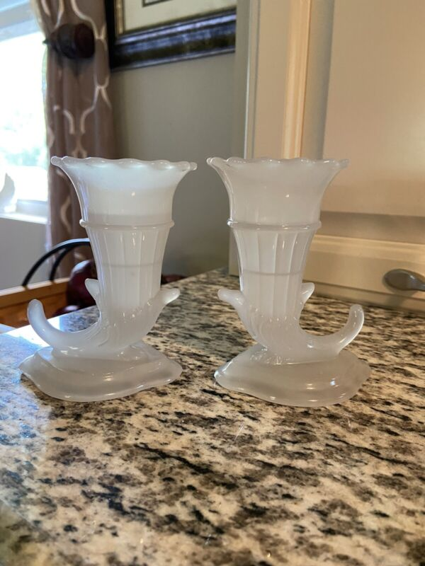 Lovely Pair Of Glass Cornucopia Bud Vases 4.5 Inches