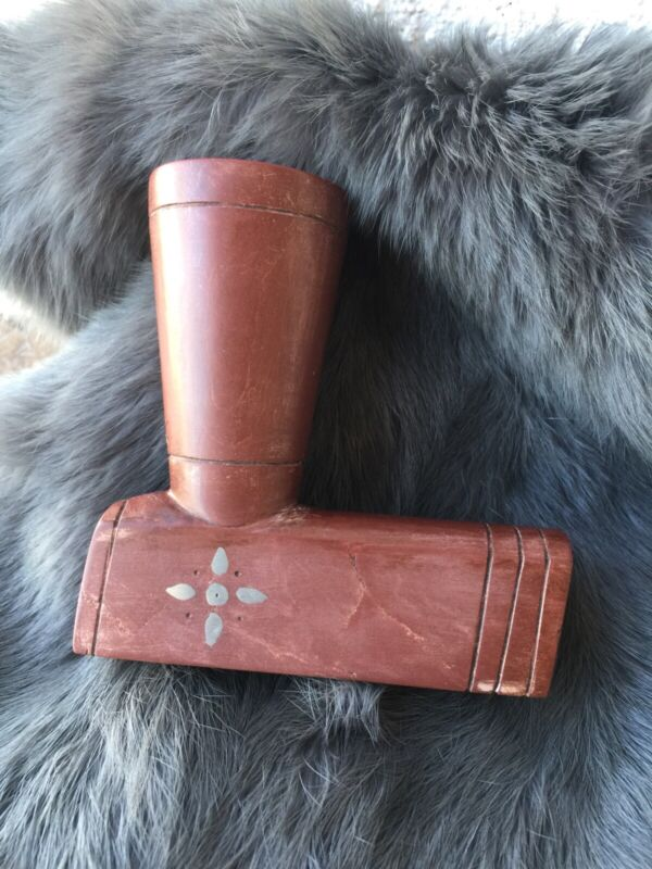 ANTIQUE NATIVE AMERICAN NORTHERN PLAINS CATLINITE PIPE WITH INLAY DESIGNS