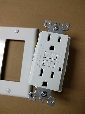 1 Pc  New 15A Gfci Outlet Receptacle 15 Amp White W  Led Light   Wallplate