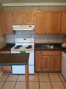 Woodward Gardens/ 2 BR/ Close to Amenities