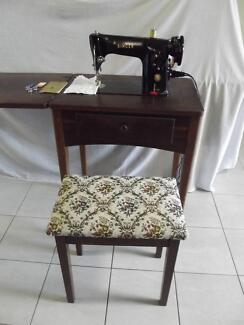Singer electric sewing machine 201 with stool