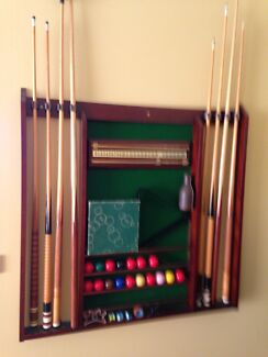 Pool cue rack, balls, cues triangle Cranbourne North Casey Area Preview