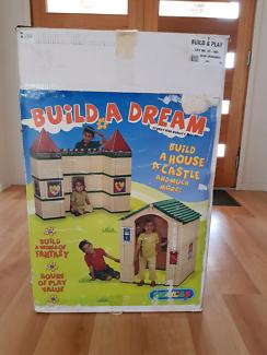 Indoor cubby house/castle building blocks