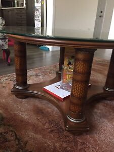 Coffee table with 2 ends
