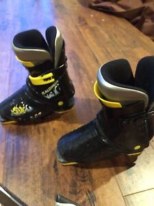Ski boots for kids - fit approx shoe size 10/11 and 12/13