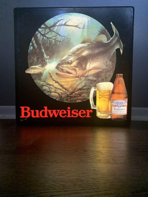 RARE! VTG BUDWEISER BEER FISH IN MOTION OUTDOORS FISHING BAR LIGHT PUB SIGN