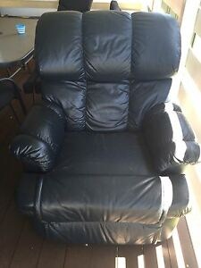 Free recliner Mayfield West Newcastle Area Preview