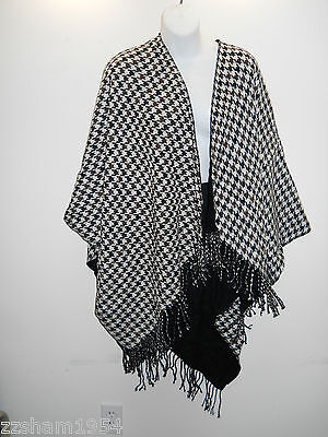 LIZ CLAIBORNE NEW YORK Patterned Black-Brown and White Fashion shawl /wrap/scarf