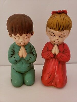 Pair of 2 Vintage Praying Children ceramic figurines Collectible Red & Green