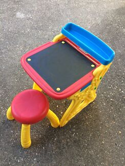 Crayola desk & stool