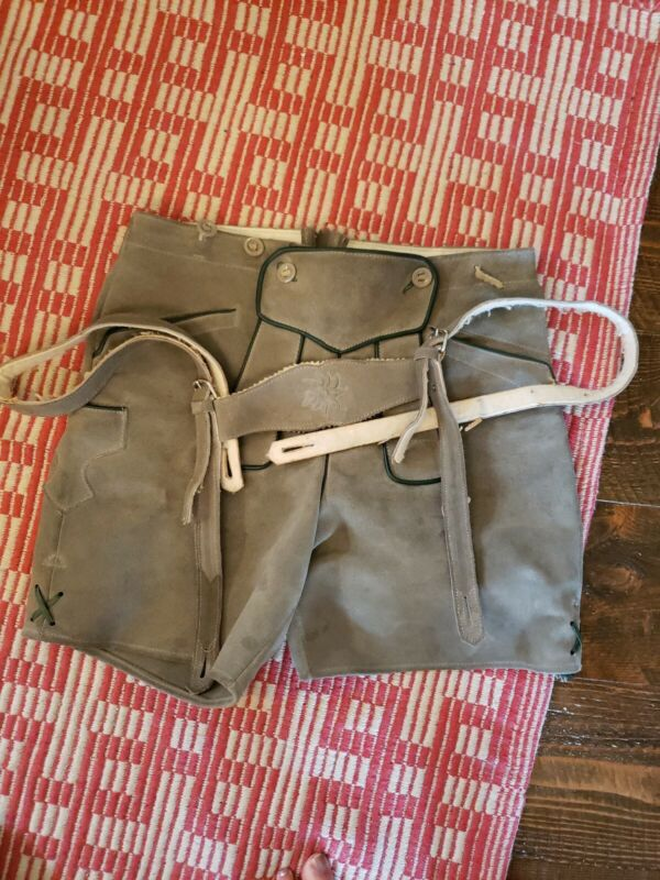 Authentic vintage Mens Lederhosen w Suspenders Made In austria
