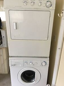 Washer and dryer St Thomas