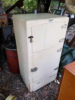 Antique Mawsons ice chest