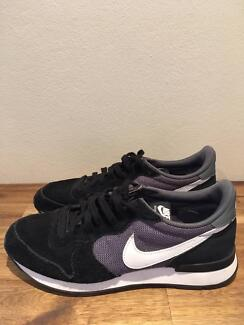 Nike Internationalist Women's Sneakers Black/Grey US 9