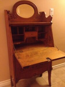 ANTIQUE 1/4 OAK DOUBLE DROP FRONT SECRETARY DESK