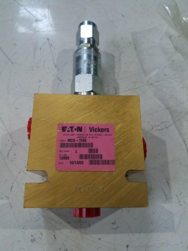 EATON VICKERS MCD-7358 HYDRAULIC MANIFOLD NEW control valve