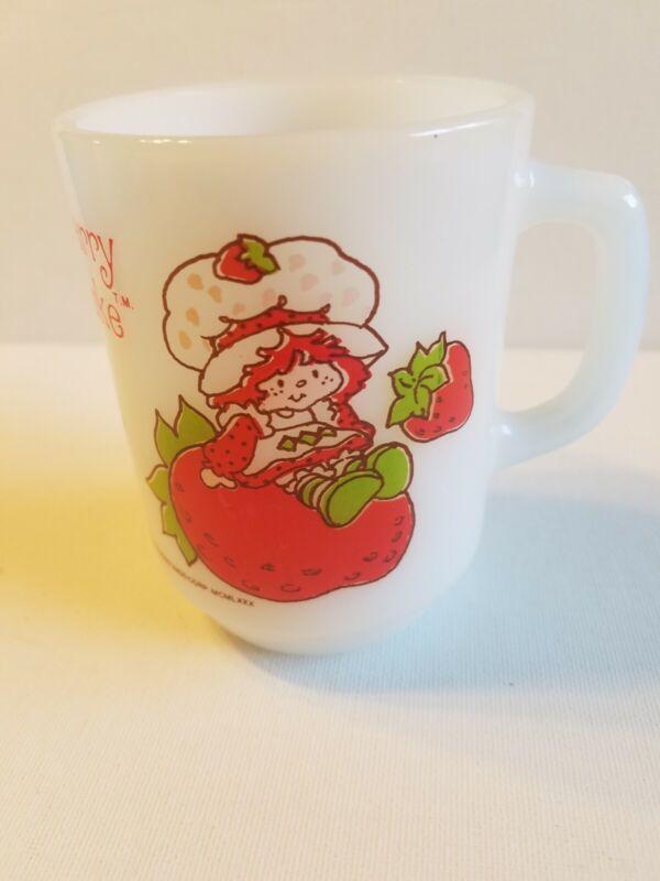 STRAWBERRY SHORTCAKE Vintage  Anchor Hocking Milk Glass Mug 1980